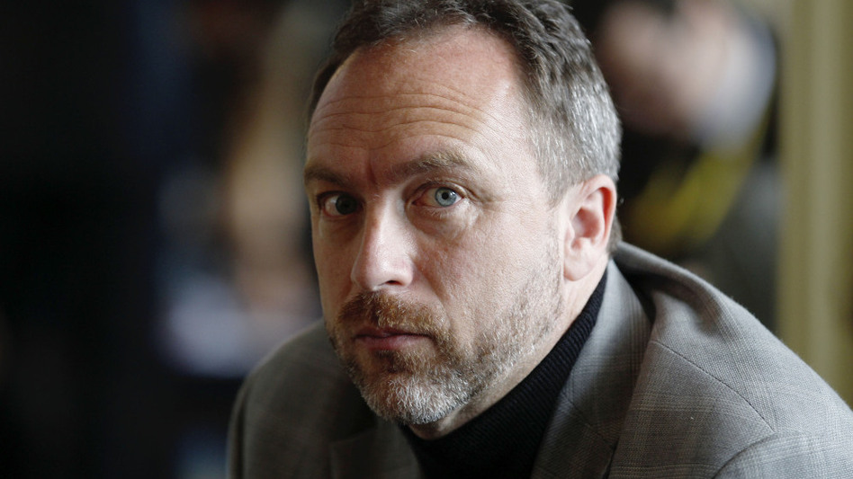 Jimmy Wales, co-founder and promoter of Wikipedia, continues to refuse ad revenue to support his online venture.