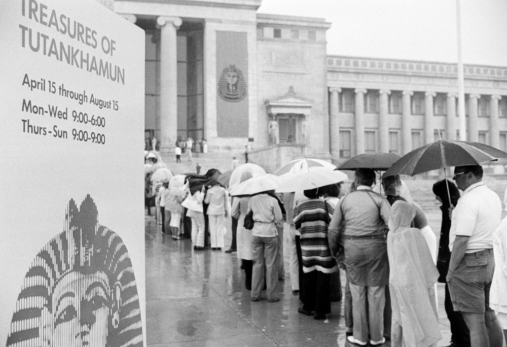 Line to see the King Tut exhibit at the Field Museum in 1977