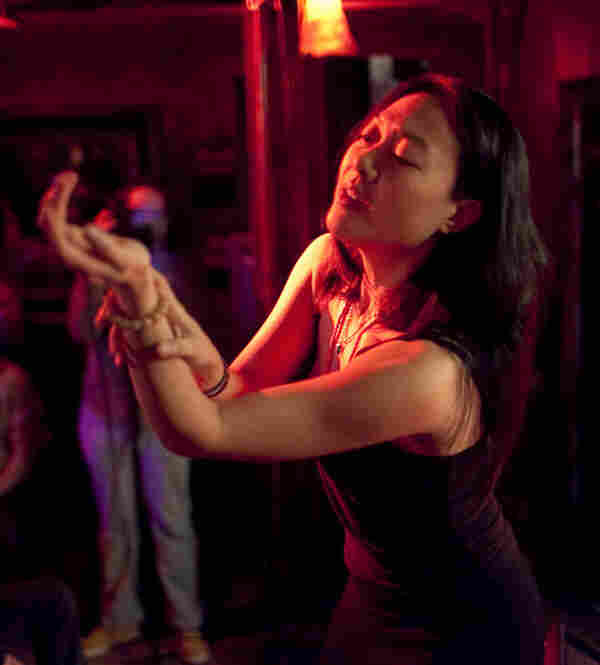 In addition to appearing with Steve Coleman, Jen Shyu presented her own project Jade Tongue, singing, dancing and playing the electric piano and Vietnamese moon lute.