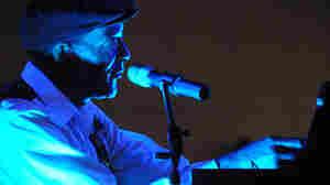 Omar Sharriff performs