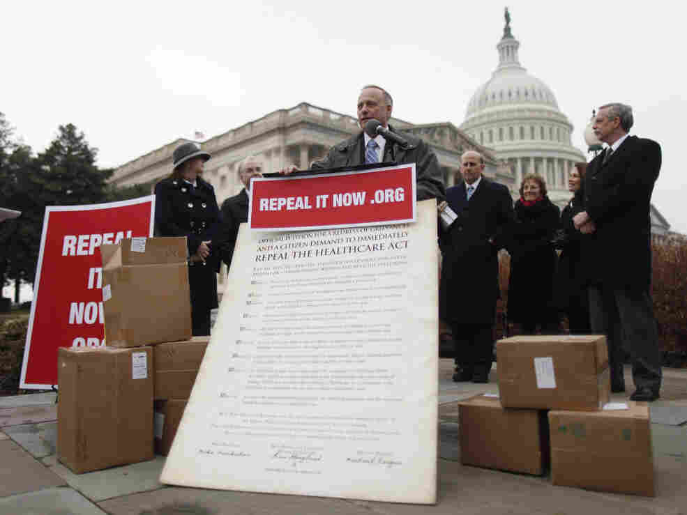 Rep. Steve King, (R-IA) and other House Republicans speak at a pro-health law repeal rally.