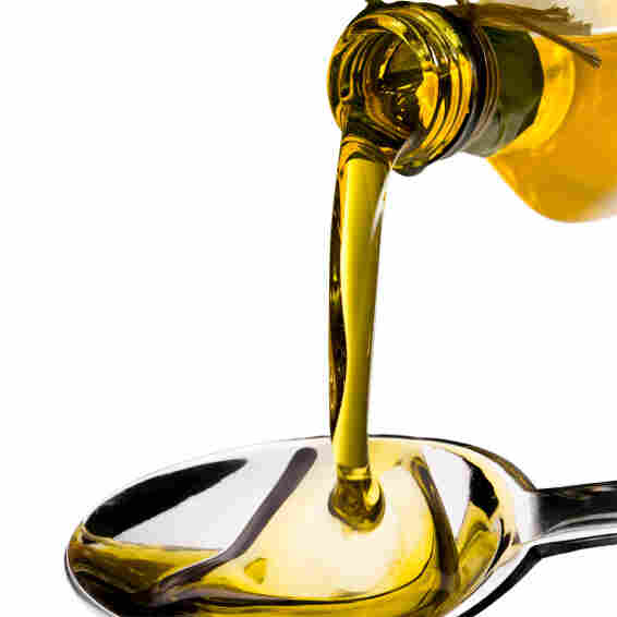 A receptor in the back of the throat seems to recognize an anti-inflammatory agent in  extra-virgin olive oil.