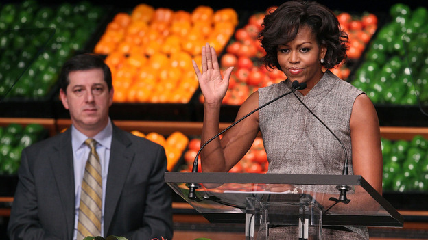 First lady Michelle Obama and Bill Simon, president and CEO of Wal-Mart's U.S. unit, at a media briefing on the company's food initiative held in Washington, D.C. (Getty Images)