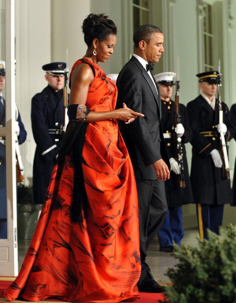 Oscar De La Renta Pans First Ladys State Dinner Dress The Two Way