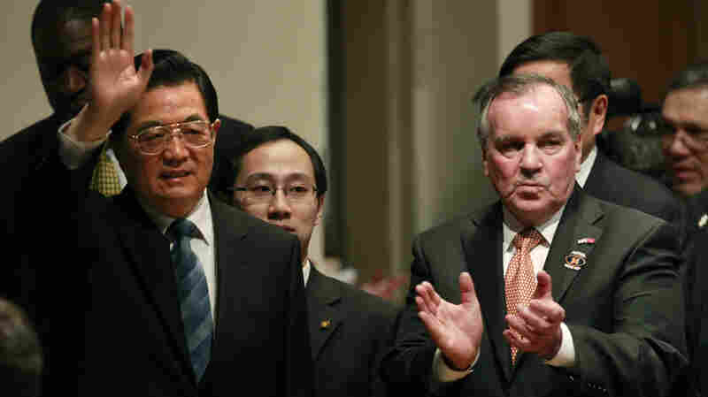 Chinese President Hu Jintao and Chicago Mayor Richard Daley visit the Walter Payton College Preparatory school in Chicago.