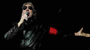 Another Ladrillo In The Wall: Roger Waters Gets Mexican