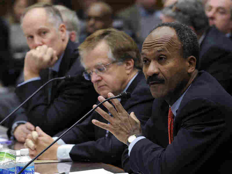 Former Fannie Mae CEO Franklin Raines, right, testifies on Capitol Hill in December 2008. Former Freddie Mac CEO Leland Brendsel, center, and former Fannie Mae chief Daniel Mudd, listen.