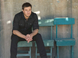 """On """"Mission Bell,"""" Amos Lee keeps coming back to the idea that moving on means leaving things behind."""