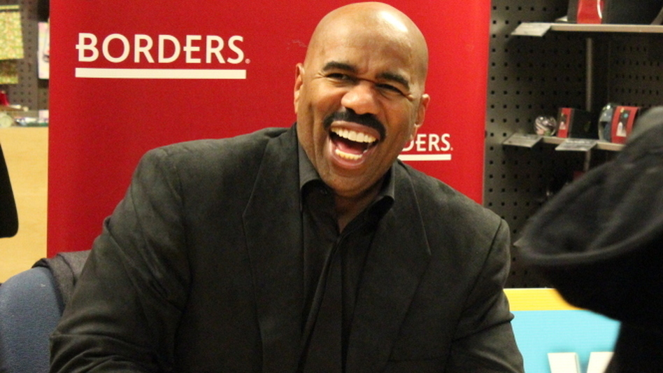 Entertainer and relationship guru Steve Harvey signs copies of his new book,<em> Straight Talk, No Chaser: How to Find, Keep, and Understand a Man</em>, at the Borders on 18th Street in Washington, D.C., on Thursday, Jan. 19, 2011.