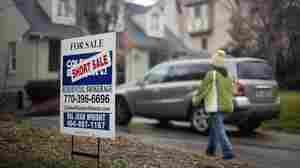 An Uncertain Path Ahead For U.S. Mortgage Giants