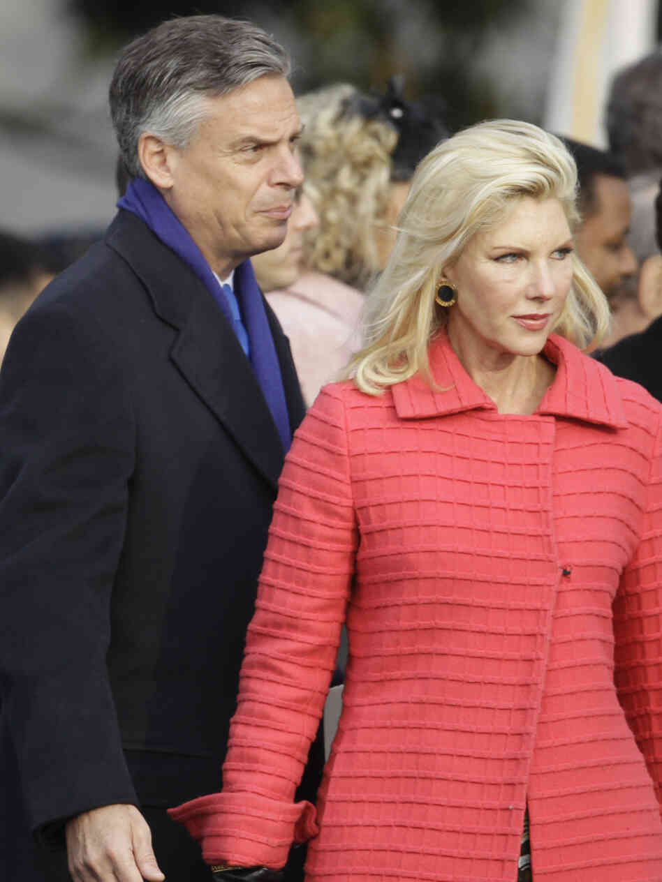 U.S. Ambassador to China Jon Huntsman and wife Mary Kaye at Obama White House welcoming ceremony for Chinese President Hu Jintao, Jan. 19, 2011.