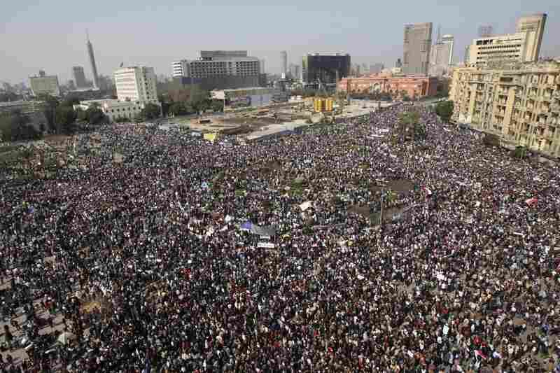 A crowd estimated between 250,000 and 2 million people gathered in Cairo despite the closure of all roads and public transportation leading into the city.