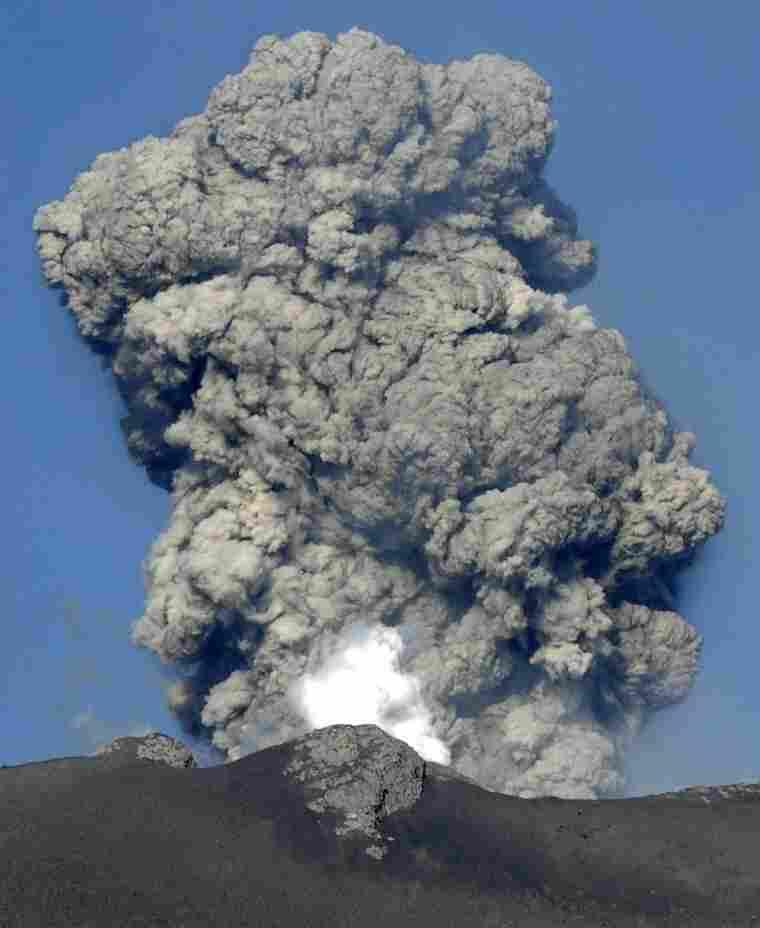 White smoke raises from Mount Shinmoedake in Kirishima mountain range in Kagoshima prefecture, Japan's southern island of Kyushu, on February 1, 2011.