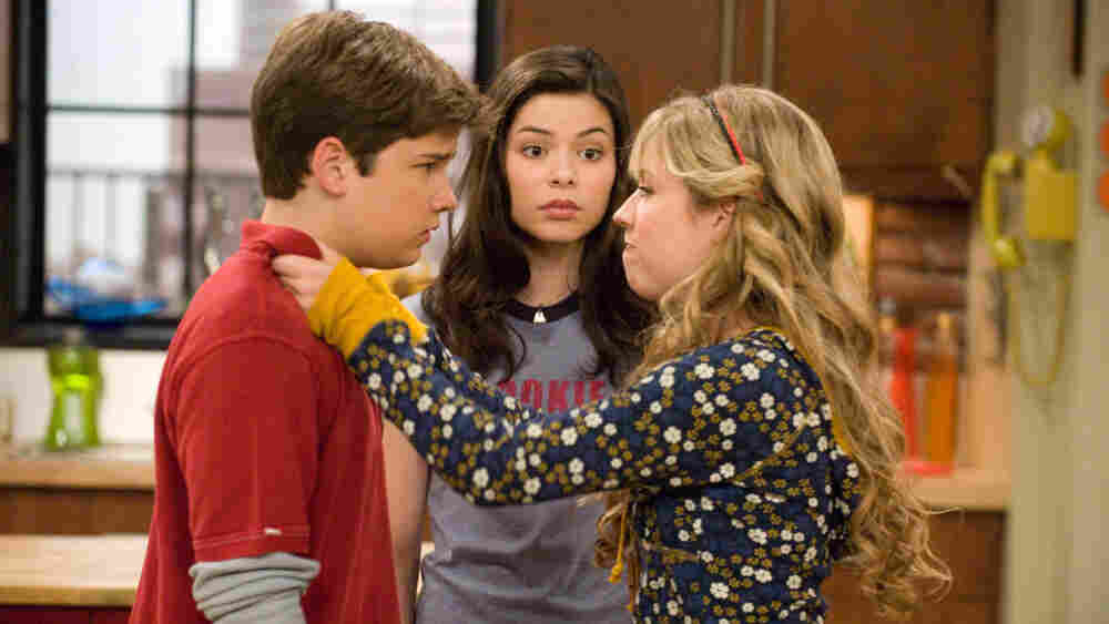 Nathan Kress (Freddie), Miranda Cosgrove (Carly) and Jennette McCurdy (Sam) of Nickelodeon's iCarly.
