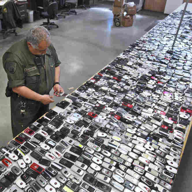 Calif. Law Calls For Stricter Prison Cell Phone Rules