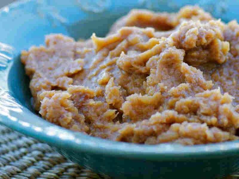 Chili-Cocoa Mashed Acorn Squash