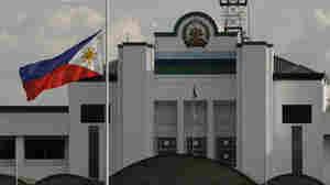Philippine Ex-General Kills Self Amid Graft Probe
