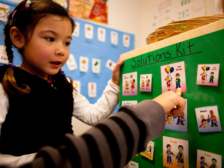 pomfret single parents 7,061 single-parent households (1,662 men, 5,399 women) 955% of residents of pomfret speak english at home 17% of residents speak spanish at home (77% speak english very well, 23% speak english not well) 23% of residents speak other indo-european language at home (57% speak english very well, 20% speak english well, 23% speak.