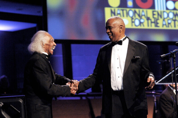 Gerald Wilson (left) presents Bobby Hutcherson with his NEA Jazz Masters award in 2010.