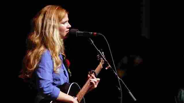 Leslie Stevens performed on Mountain Stage.