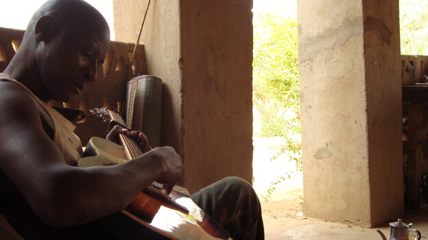 Sidi Toure is one of Mali's great guitar players.