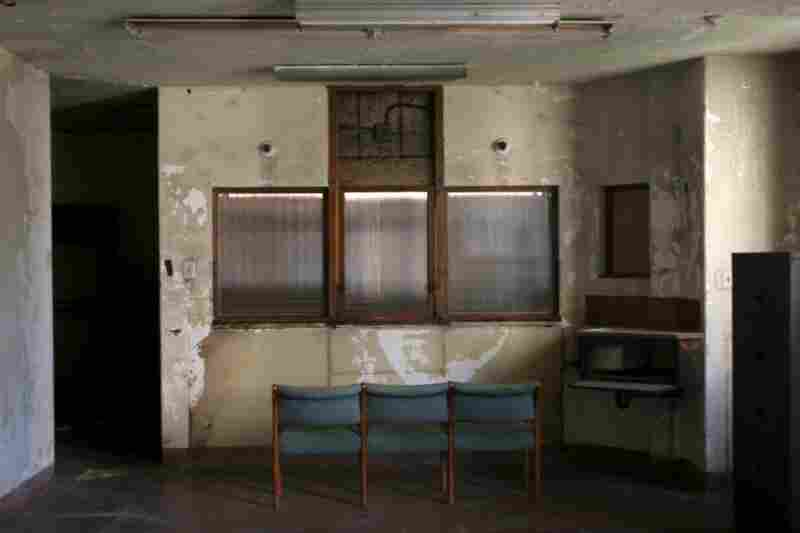 Thousands of films have been shot at Linda Vista, including Pearl Harbor, L.A. Confidential and Conspiracy Theory.  Dresser likes the spooky feel of the peeling walls.