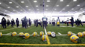 As members of the NFL Players Association, Green Bay Packers share more than a state with Wisconsin's public workers.