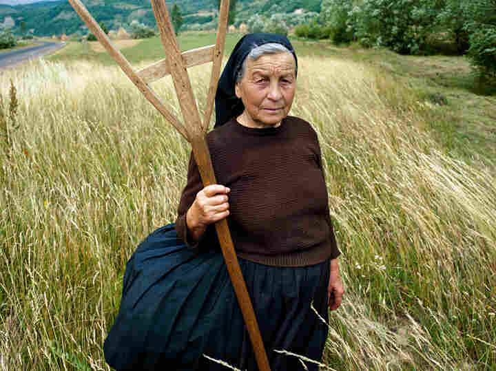 Tiranca (Romanian  word for peasant woman), 2003