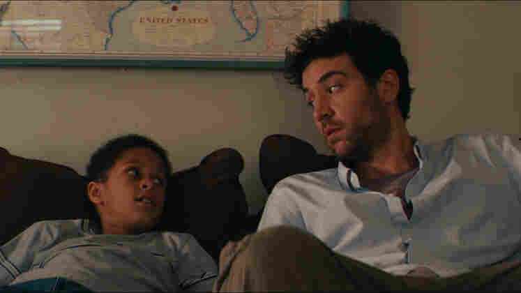Looking For A Family: On the subway, Sam (Josh Radnor) stumbles across Rasheen (Michael Algieri), a boy who was separated from his guardian and has no interest returning. Impulsively, Sam decides to let Rasheen stay with him.