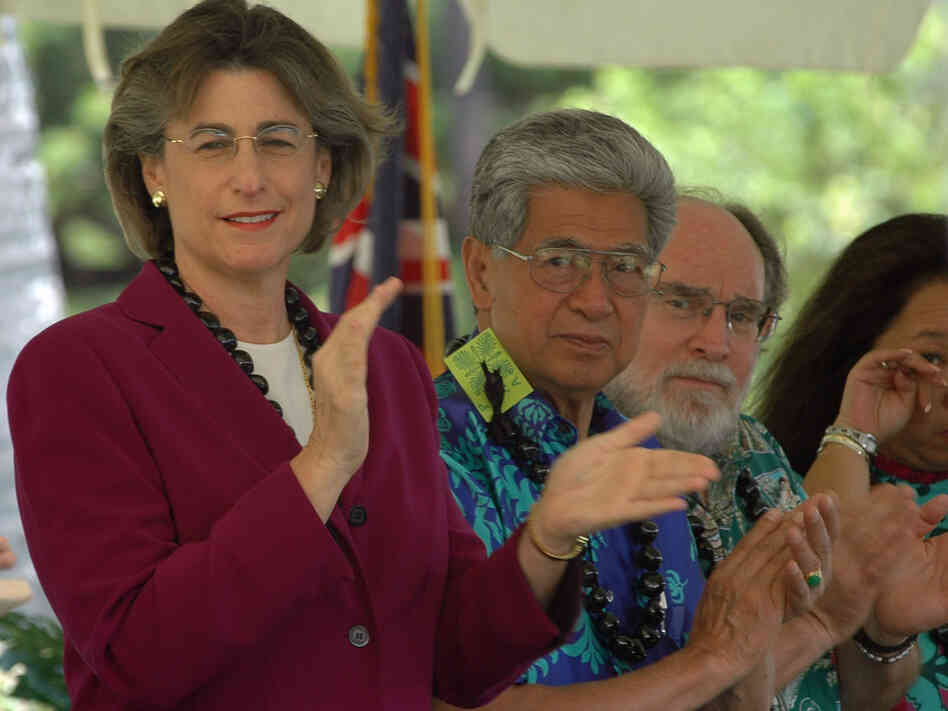 Ex-Hawaii Gov. Linda Lingle, left, Sen. Daniel Akaka and Gov. Neil Abercrombie in 2005 when she was governor and Abercrombie was a congressman.