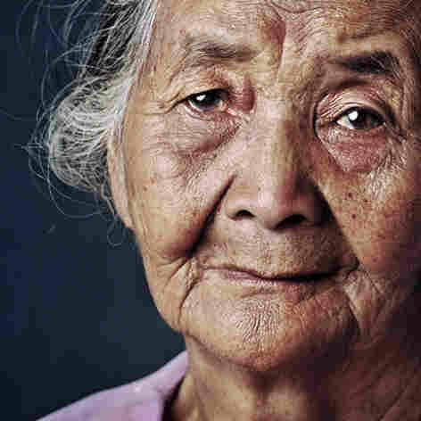 Icih, born 1926, Cireunghas, West Java