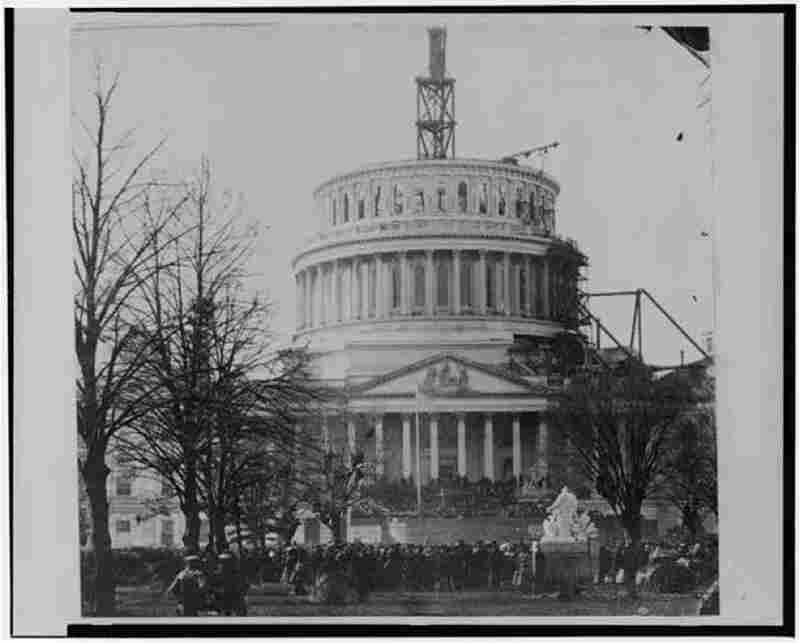 The scene at president Lincoln's inauguration at the U.S. Capitol on March 4, 1861.