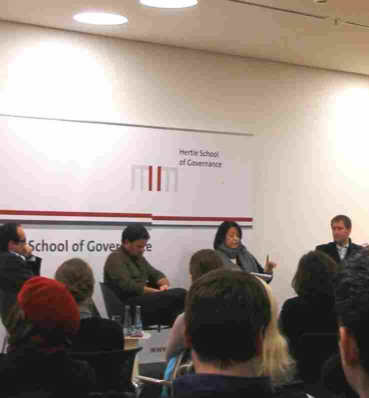 Panelists discuss the latest developments in Egypt at the Hertie School in Berlin.