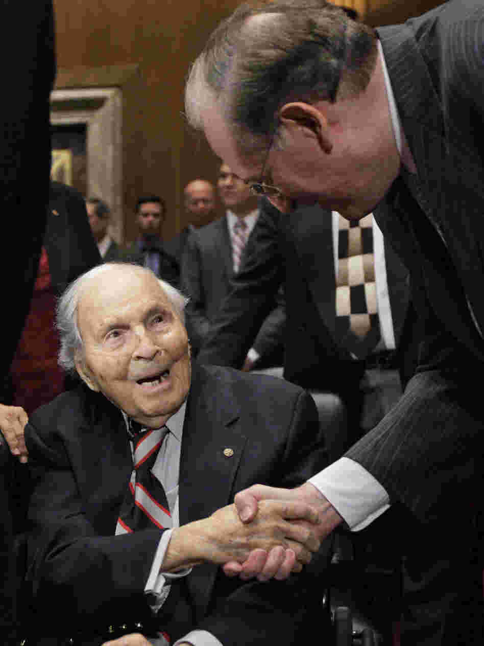 Frank Buckles shaking hands with Sen. Jay Rockefeller, (D-WV) in December 2009.