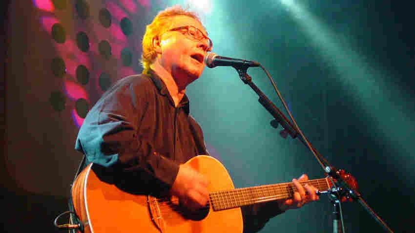 Paul Brady performs in Tokyo in 2006.