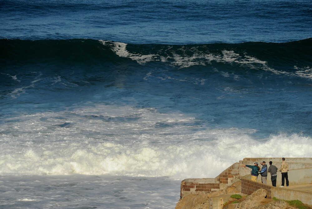 tsunami waves from japan s earthquake hit west coast