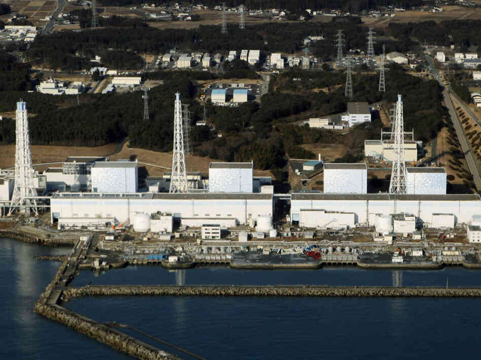 An aerial view of the quake-damaged Fukushima nuclear power plant in Japan on Saturday. Japan scrambled to prevent nuclear accidents, evacuating tens of thousands of residents, when reactor cooling systems failed after a massive earthquake.