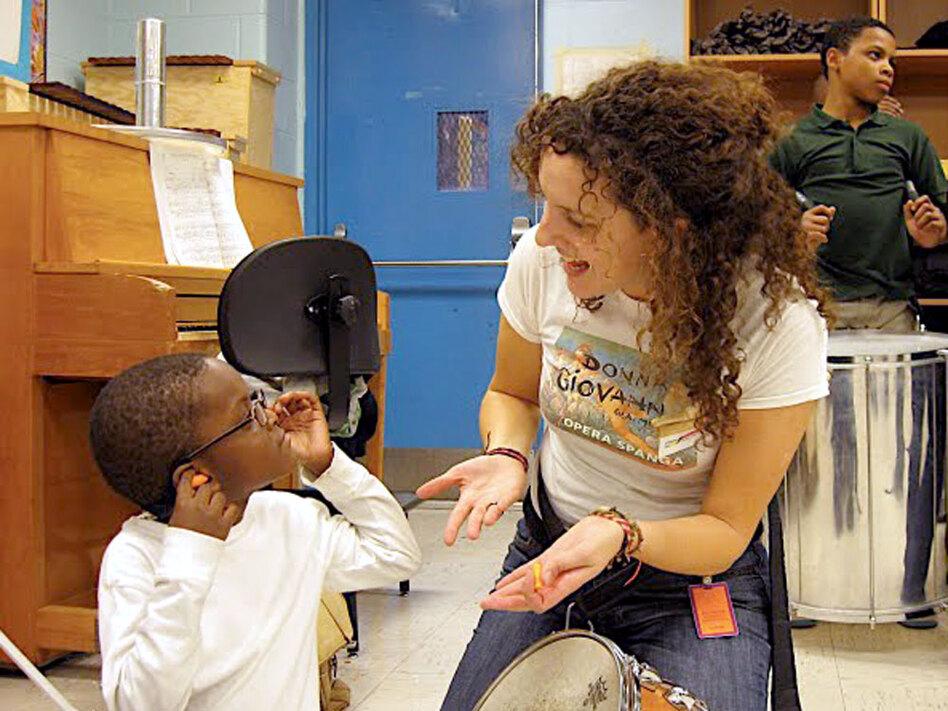 Abreu Fellow alumna Rebecca Levi now works in a <em>nucleo</em> in Boston, bringing free music education to kids.