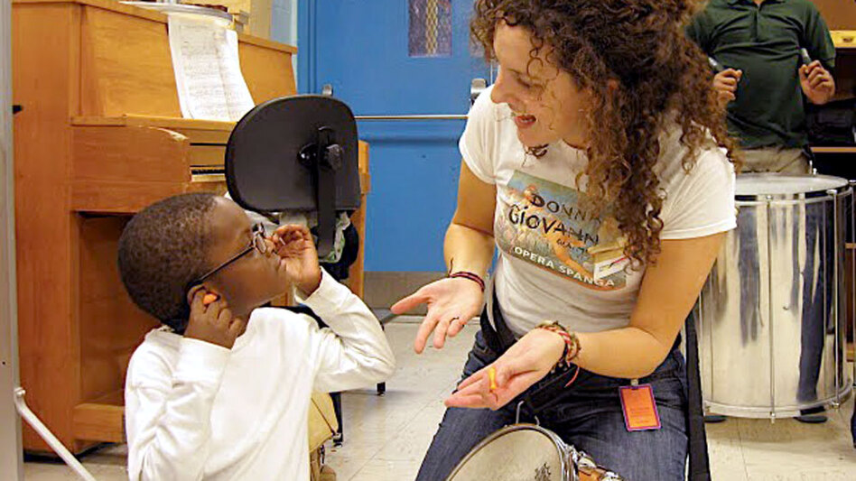 Abreu Fellow alumna Rebecca Levi now works in a nucleo in Boston, bringing free music education to kids. (Andrew Hurlbut)