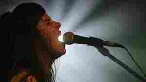 Le  Butcherettes singer Teri Gender Bender.