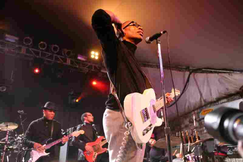 Raphael Saadiq's SXSW set was a full-blown soul revue, complete with choreographed backup singers and buckets of sweat.