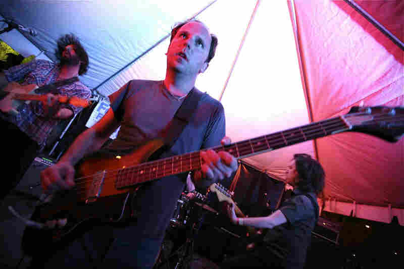 Garage rockers The Fresh & Onlys punch out psychedelic pop gems.