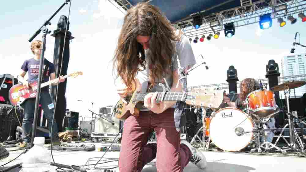 Kurt Vile performed at Auditorium Shores the day after a bag of his equipment was stolen.