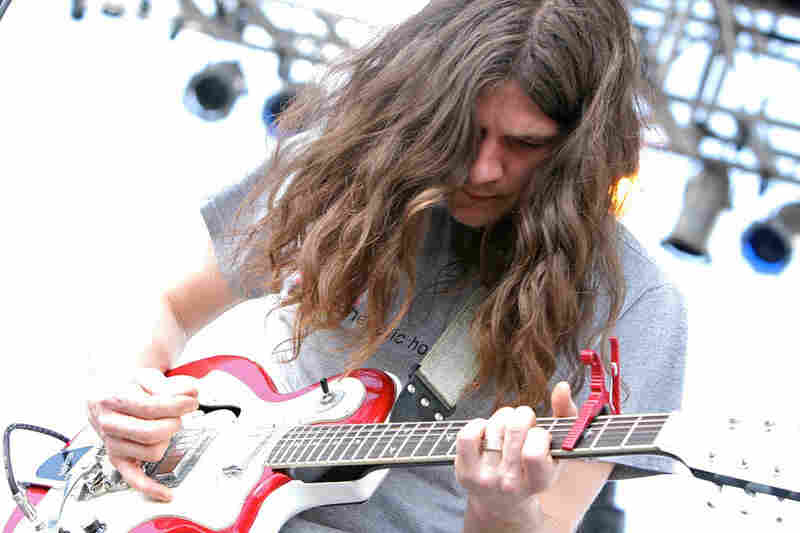 Kurt Vile didn't let the jerks who stole his gear on Friday night affect his show at Auditorium Shores on Saturday.