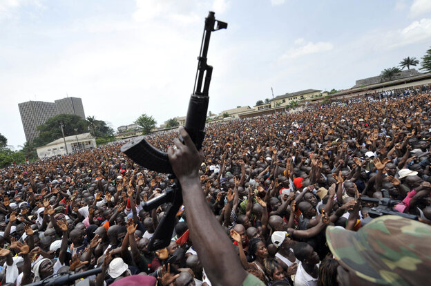 Thousands of young supporters of Ivorian leader Laurent Gbagbo gathered to enroll in his army, on March 21, 2011 in Abidjan.