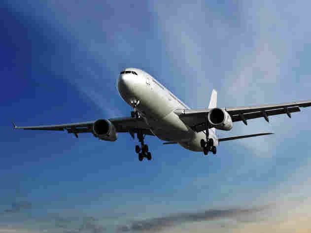 Airplane/iStockphoto.com