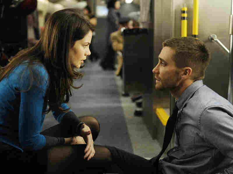 Forced to relive that harrowing eight minutes over and over in the search for bomb and bomber, Stevens falls in love with Christina (Michelle Monaghan), a passenger who dies each time in the explosion.