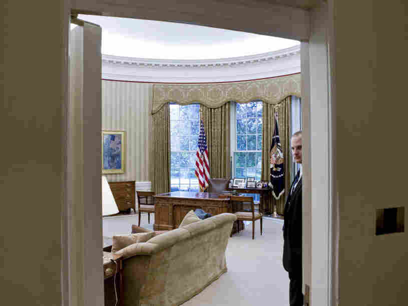 A view into the Oval Office, at the end of last summer. President Obama (very) quietly accepted an award Monday for his efforts to make government more transparent.