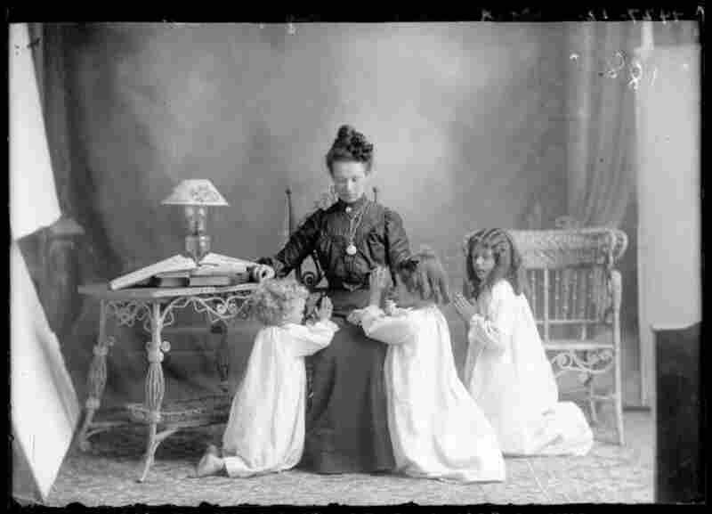 Mrs. Albert Manwaring, 1903