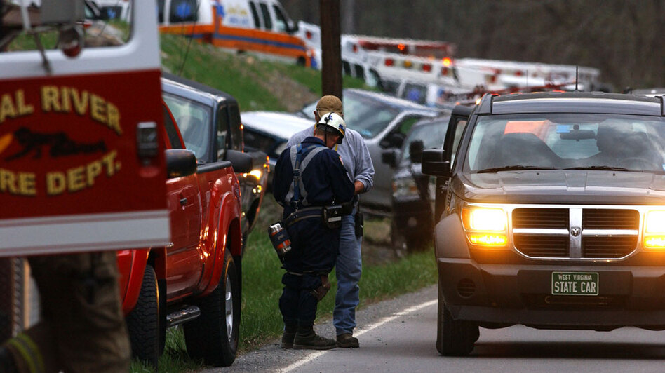 Authorities survey the scene several hours after an explosion at the Upper Big Branch mine. (AP)